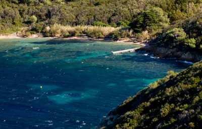 plage-sur-île-Port-Cros