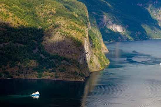 Fjord-Naerofjord-Norvège-croisière