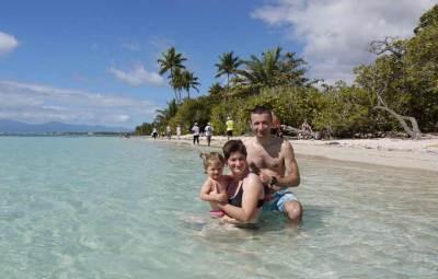Guadeloupe-antilles-plage-bébé-famille