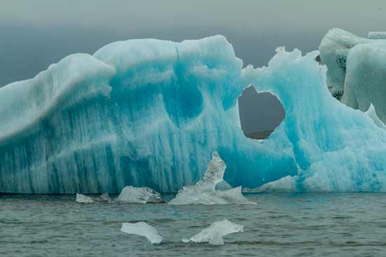 lac-jokulsarlon-icebergs-islande