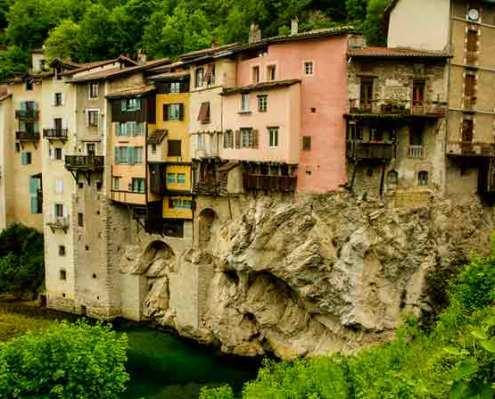 Pont-en-royans-vercors-maisons-suspendues