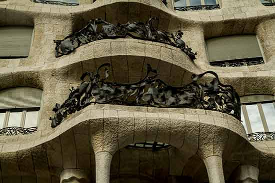 casa-milla-balcon--barcelone