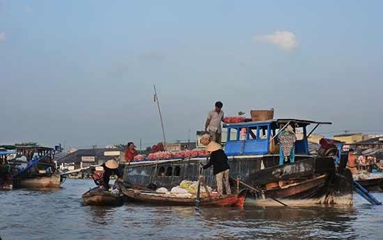 marché-flottant-vietnam