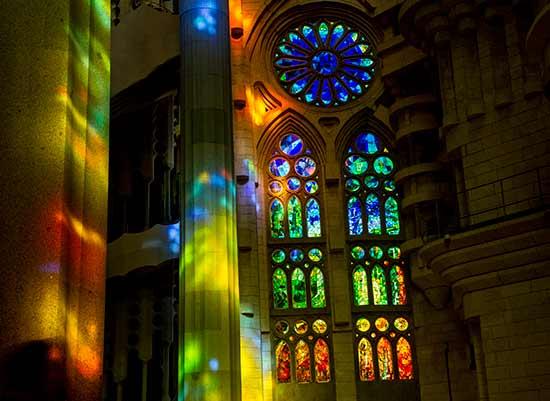 sagrada-familia-vitrail--barcelone