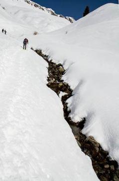 randonnée-raquette-alpes-randonneur