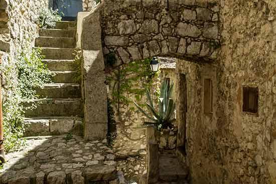 Peillon-village-perché-arrière-pays-niçois