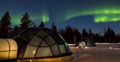 igloo-avec-enfant-finlande-aurore boréale
