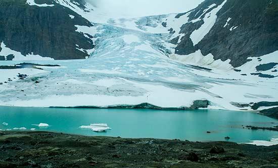 andonnée-en-laponie-glacier