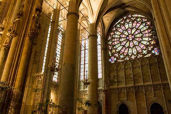 visiter-carcassonne-en-famille-basilique