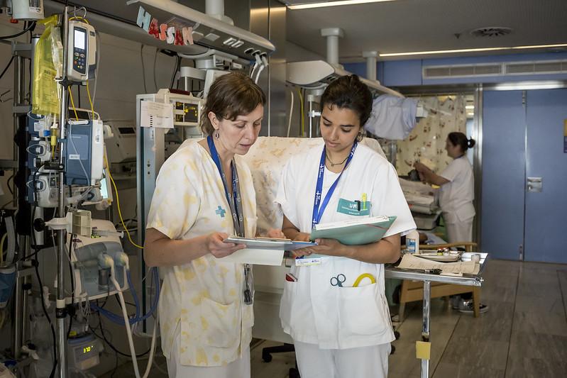 Fotografía del Banc d'Imatges Infermeres. Ariadna Creus y Ángel García