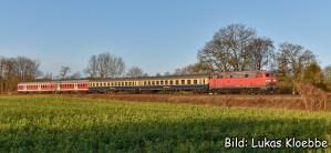 218 457 mit Wintersport-Zug, Bild von Lukas Kloebbe