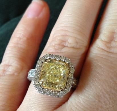 Kelly Clarksons 5 Carat Yellow Canary Diamond Ring