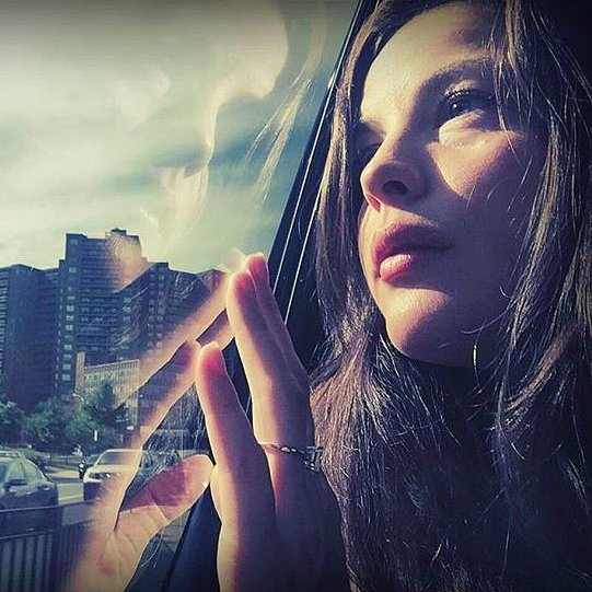 Liv-Tyler-Engagement-Ring-Instagram-Photo