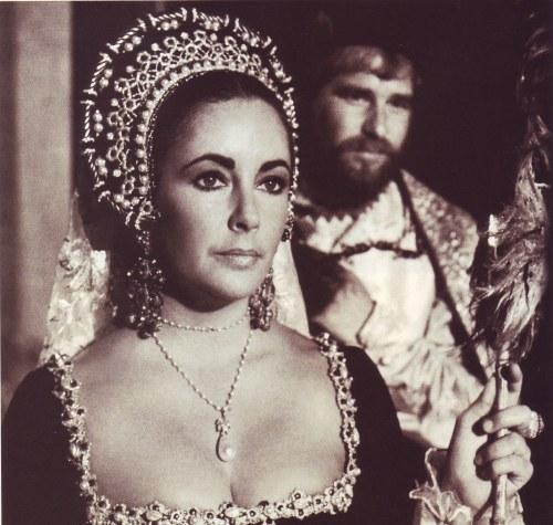gracie-jewellery-elizabeth-taylor-richard-burton-la-peregrina