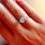 Assunta De Rossi's Round Cut Diamond Ring