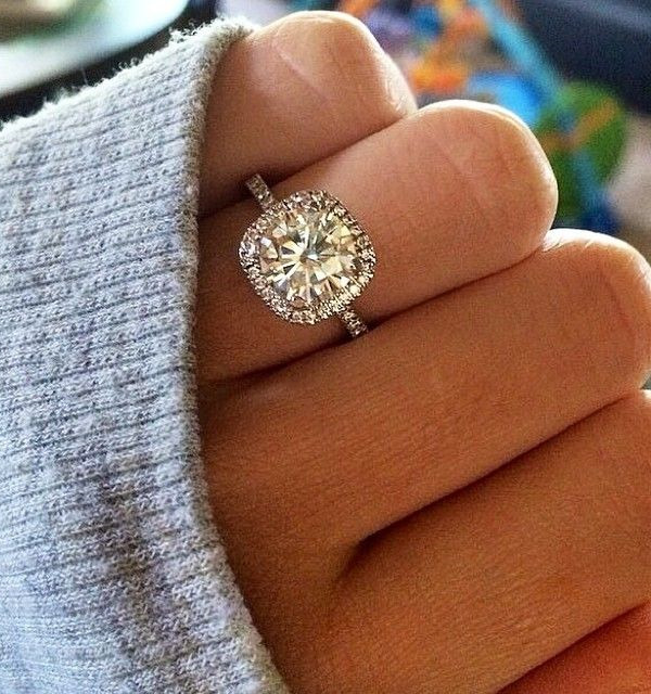 cushion-cut-halo-wedding-engagement-rings