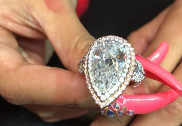 Cardi B S 8 Carat Pear Shaped Diamond Ring