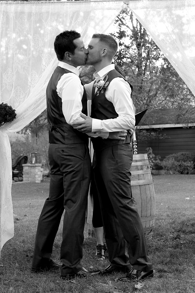 Chicago Il Same Sex Marriage Officiant And Celebrant Flow Ceremonies