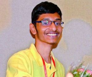 Pramod Vakacharla Tops JEE Main 2014