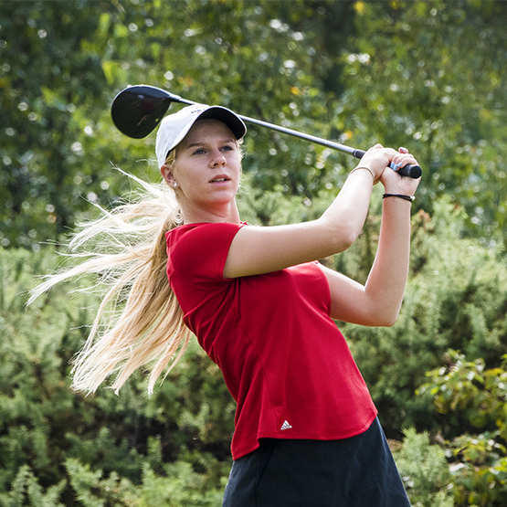 Fuller and Holpfer lead on four-under