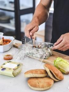 Lidt hjælp i hverdagen med veganske og økologiske måltidskasser