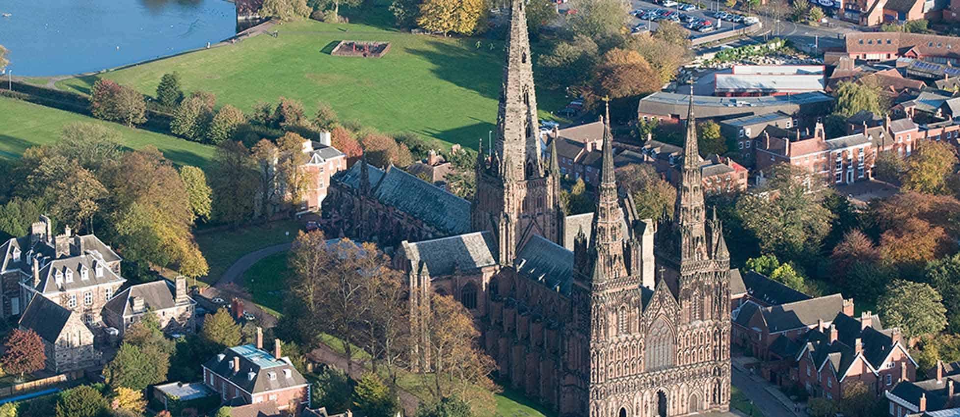 Lichfield Cathedral ile ilgili görsel sonucu