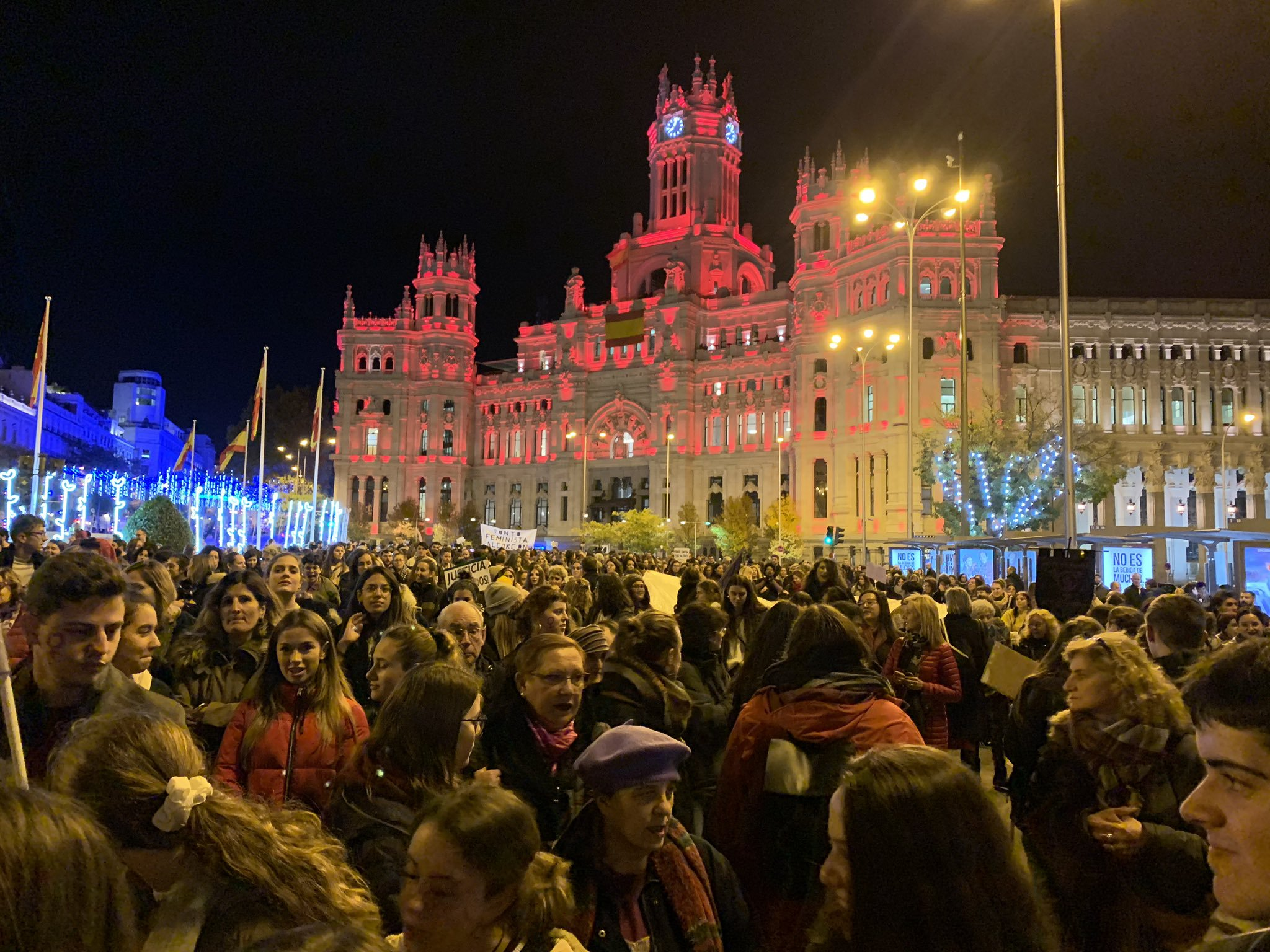 Thousands support end to gender violence, on same day woman is murdered in Tenerife