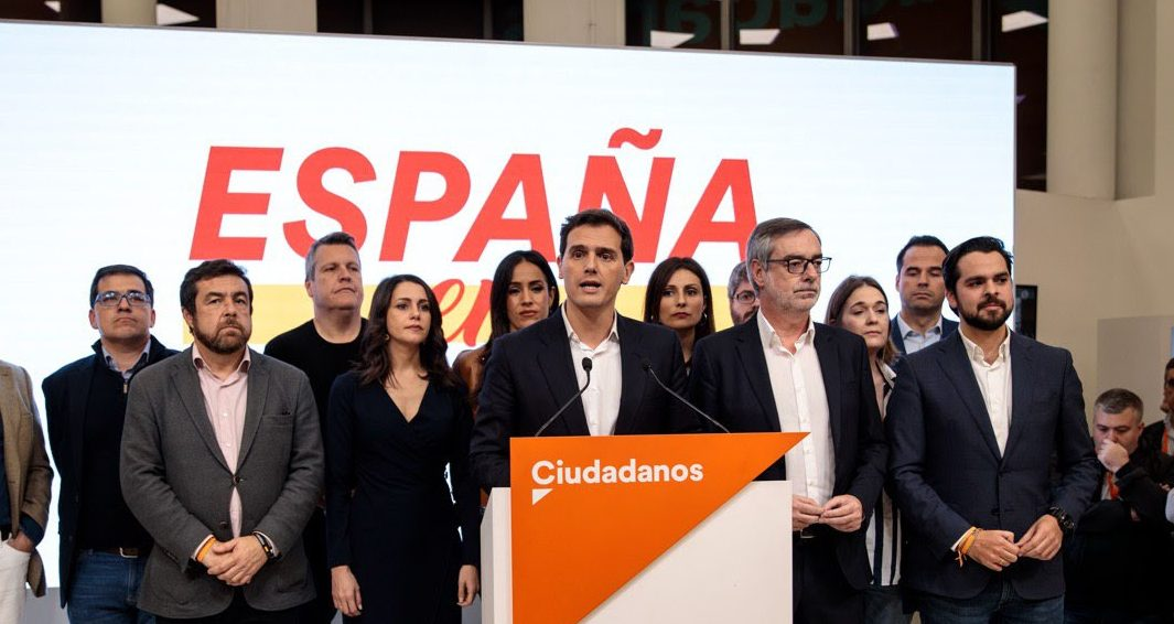 Day of political change as Ciudadanos leader Albert Rivera resigns, and PSOE rule out grand coalition
