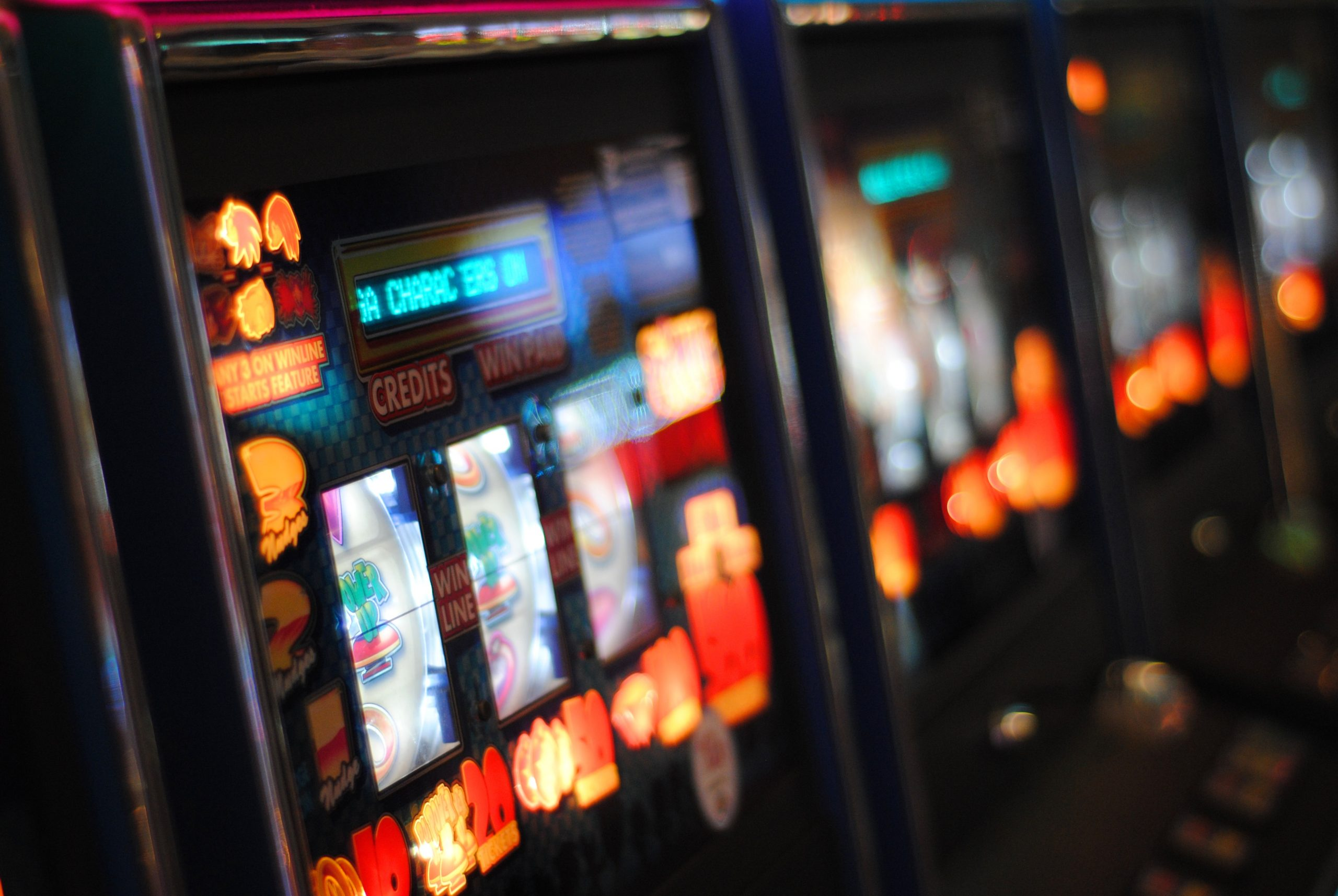 1 in 5 teenagers admit to gambling in Spain