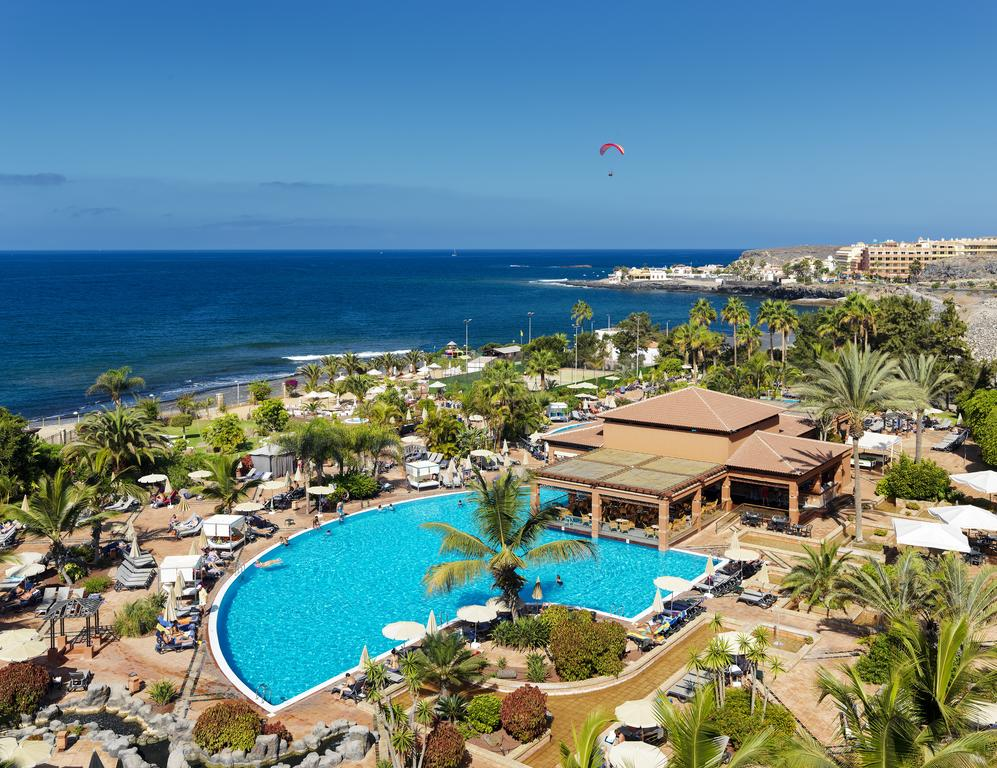 Tenerife hotel in lock-down after guest tests positive for Coronavirus
