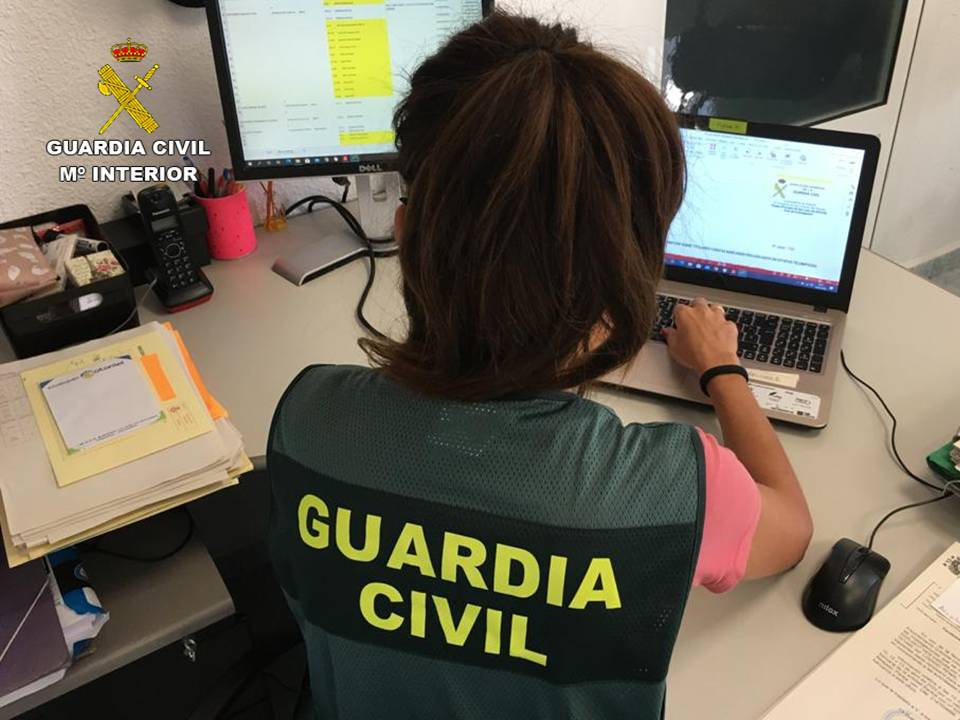 Three arrested for text messaging scam in Alicante