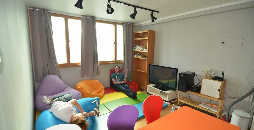 Common area in HK Yonsei university share house