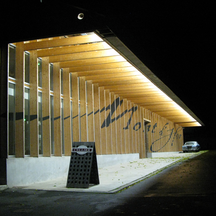 Mont D'Hor champagne house near Reims at night