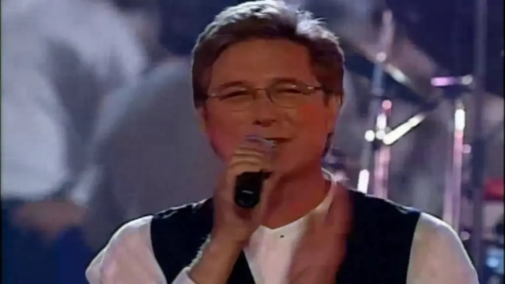 Bueno Es Dios (God Is Good All The Time) – Don Moen