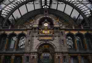 Antwerp Station by Polly on Unsplash