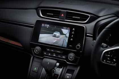15 New CR-V_Honda LaneWatch Interior_CMYK