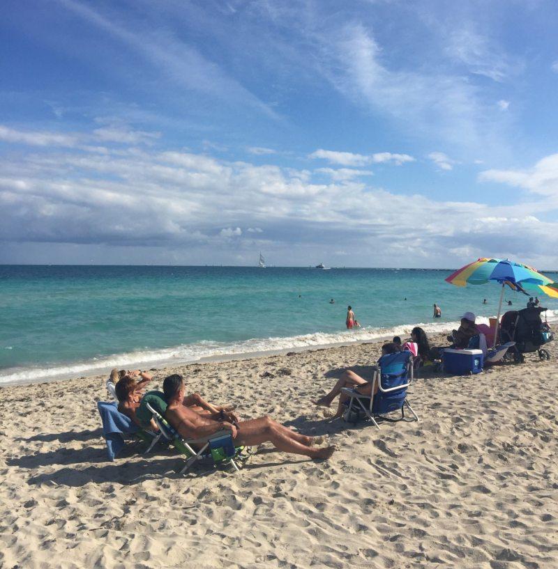 Visitantes aproveitam dia de outono em Miami Beach!
