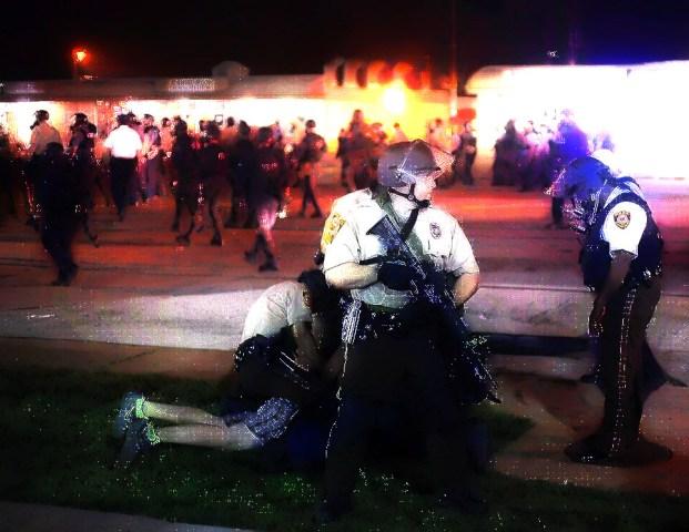 Ferguson_006_Reuters_Joshua_Lott