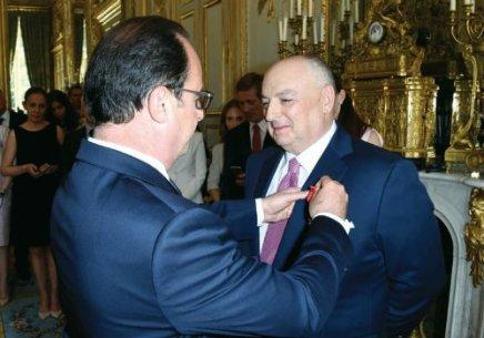 Kantor pres CJE honrado por Francia