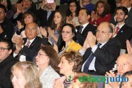 26-ENERO-2017-RELACIONAN EL MURO DE TUMP CON EL MURO DEL GHETTO DE VARSOVIA EN EL DIA INTERNACIONAL DEL HOLOCAUTSO -129