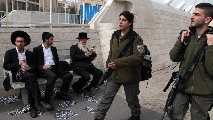 Corte Suprema de Israel anula exención de servicio militar para jaredíes