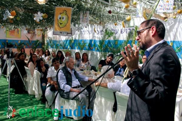 rabino en la sucá
