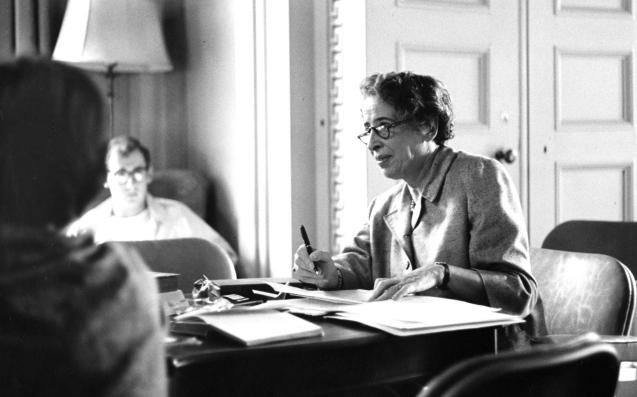 La filósofa que combatió el nazismo, Hannah Arendt, estrella de Youtube