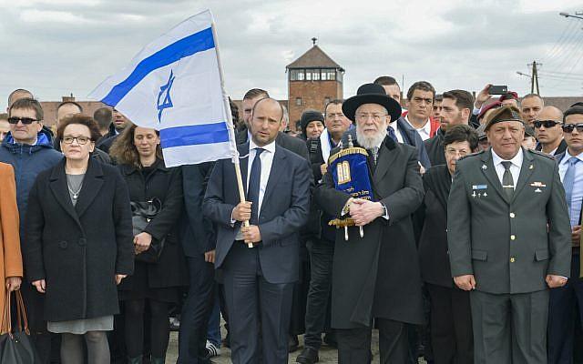 Polonia cancela la visita de Bennett, que prometió 'decir la verdad' sobre el Holocausto