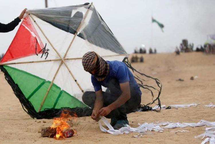 Amenazan en Gaza con lanzar 5,000 cometas incendiarias contra Israel