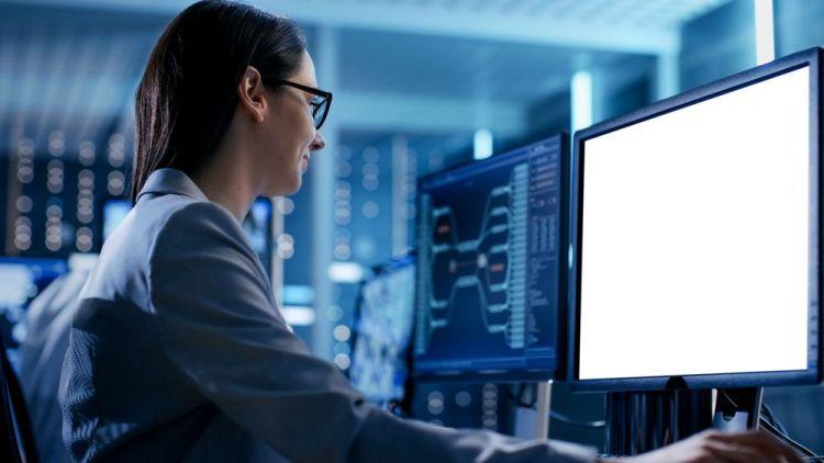 Israel forma niñas para su acceso a empleos de élite en ciberseguridad
