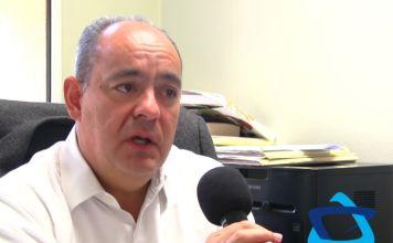 El doctor Francisco Moreno Sánchez, infectólogo y cirujano aclara rumores que circulan en redes sociales para evitar el coronavirus.