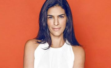 La actriz Daniela Schmidt, aplaude la llegada de la obra Grito al Cielo con Todo Mi Corazón a la plataforma del Festival Cultural Digital de Zacatecas