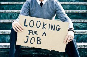 Según las cifras publicadas por el Servicio de Empleo de Israel, el desempleo a raíz de la pandemia de COVID-19 está afectando más a los adultos jóvenes