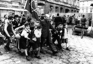 Janusz Korczak nació en Polonia, en un 22 de julio de 1878. Fue autor, pediatra, pedagogo y activista por los derechos de los niños.